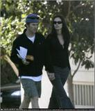 Julia Roberts & husband go for walk near their home in Venic