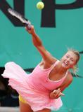 Maria Sharapova Th_40110_Maria_Sharapova_Roland_Garros_28.05_02