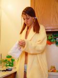 http://img128.imagevenue.com/loc30/th_d0a13_bathrobe_012.jpg