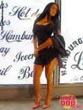 Andrea  Rincon (Selena Spice) Striptease Primera Prenda Foto 4