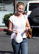 Кэтрин Хэйгл, фото 3550. Katherine Heigl - leaving Sushi Ike in Los Angeles 03/08/12, foto 3550