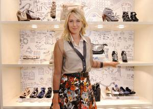 Hot Sharapova In Nice Dress Pictures