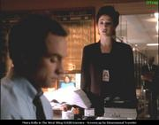 th 63139 MKelly WestWingS1E08 003 122 572lo Moira Kelly   TV series The West Wing S1E08 caps x22