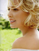 http://img128.imagevenue.com/loc65/th_12900_Katherine_Heigl_InStyle_Oct2010_06_122_65lo.jpg