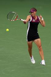 http://img128.imagevenue.com/loc87/th_184051231_148200102_Samantha_Stosur_wins_the_2011_US_Open_101_122_87lo.jpg